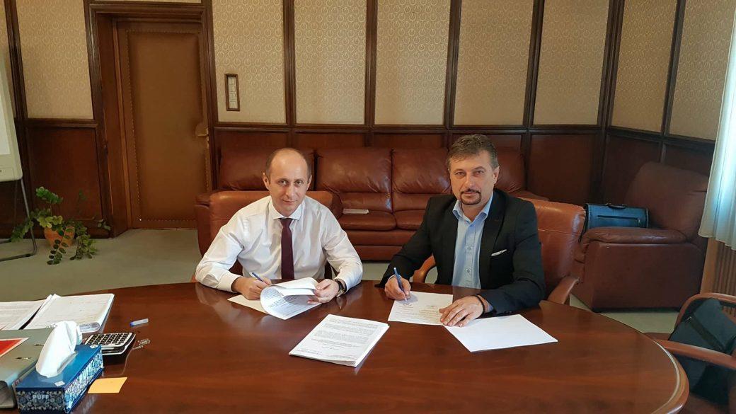 Ionuț Adrian Gâdea, secretar de stat în MDRAP și Dan Bobouțanu, primarul municipiului Hunedoara
